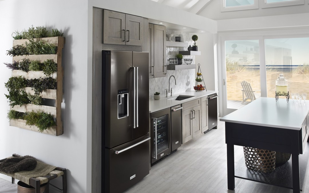 Color in the Kitchen: Black is the new Stainless